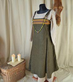 Haithabu Wikinger Schürzen-Kleid aus Wollstoff mit Borte