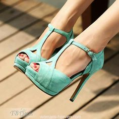 Green heels image,green heels, moda,style, fashion, high heels, image, photo, pic, pumps, shoes, stiletto, women shoes http://www.womans-heaven.com/green-heels-image-6/