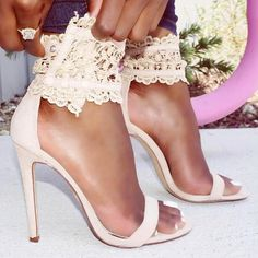 Embroider Lace Single Sole High Heel