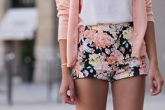 Pale pink & floral outfit