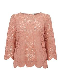 538 kr Lace Blouse With Button Back