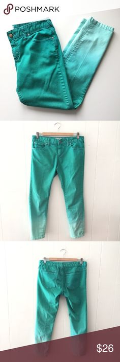 "Free People Ombré Turquoise Cropped Jeans // 29 Awesome pair of Free People jeans. Ombre teal/turquoise green fade. Very good condition - these do seem to have center creases in them, like from a dry cleaner. 78% cotton, 20% polyester, 2% spandex. Size 29. 26"" inseam. 8 1/2"" rise. 16 1/4"" waist flat. Free People Jeans Ankle & Cropped"