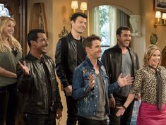 New Kids on the Block will guest star on Fuller House Season 2 and the stars are dishing on the big episode. Fuller House Season 2, Stephanie Tanner, Dj Tanner, Jonathan Knight, House Cast, Uncle Jesse, Kids Blocks, Candace Cameron Bure, Jordan Knight