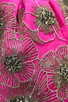 Zardozi Embroidery, Tambour Embroidery, Hand Work Embroidery, Couture Embroidery, Embroidery Fashion, Hand Embroidery Designs, Embroidery Dress, Bead Embroidery Tutorial, Embroidery Flowers Pattern