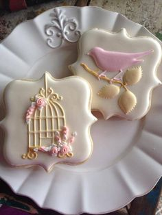 Birdcage cookies. ~  ♡ THEY'RE GORGEOUS! I DON'T KNOW HOW ANYONE CAN EAT COOKIES LIKE THESE!  ♥A