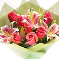 Mixed Roses & Lilies Bouquet i want my bouquet to be like this but the roses white and some babys breath.