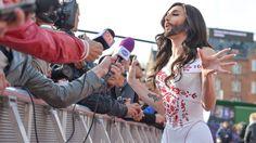 Conchita Wurst på röda mattan inför Eurovision Song Contest 2014 i Köpenhamn. Andres Putting/EBU
