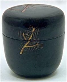 Traditional Japanese Art, Japanese Design, Green Tea Cookies, Tea Japan, Natsume, Japanese Lifestyle, Japanese Tea Ceremony, Art Japonais, Tea Tins