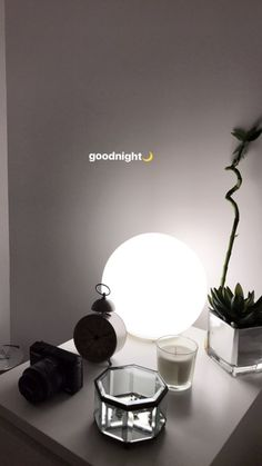 Many people believe that there is a magical formula for home decoration. You do things… Creative Instagram Stories, Instagram And Snapchat, Instagram Story Ideas, Instagram Feed, Street Style Photography, Tumblr Photography, Creative Photography, Photography Ideas, Modelos Do Instagram