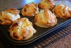 I have not tried these yet, but I love savoury muffins and these seem really rustic and yummy! Mixed Vegetables, Roasted Vegetables, Muffin Recipes, My Recipes, Vegetarian Cheese, Vegetarian Recipes, Vegetable Muffins, Savory Muffins, Puff Pastry Sheets