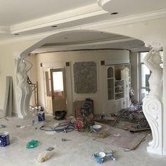 False Ceiling Living Room, Bedroom False Ceiling Design, Plaster Ceiling Design, Ceiling Decor, Roof Design, Exterior Design, House Design, Modern Tv Wall Units, Tv Unit Decor