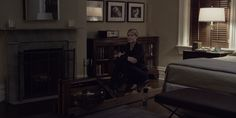 WaterRower machine used by and Nike shoes worn by Robin Wright in HOUSE OF CARDS: CHAPTER 24 (2014) @Waterrower #Nike