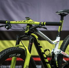 Sometimes people taking part in specific disciplines of cycling will purchase a specialized mtb, developed for the discipline. While cross-country, freerider and enduro are the most common discipli… E Mountain Bike, Mountain Biking Women, Road Bike Women, Scott Bikes, Mtb Downhill, Bike Photography, Mtb Bicycle, Bike Style, Bicycle Design