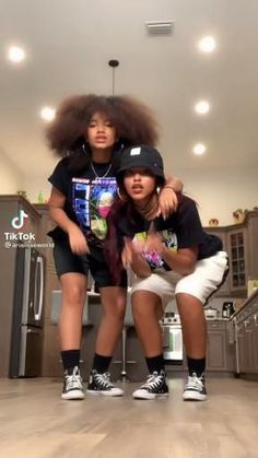 Hip Hop Dance Videos, Dance Music Videos, Dance Choreography Videos, Cool Dance Moves, Dance Tips, Best Dance, Love My Best Friend, Crazy Things To Do With Friends, Dance Comp