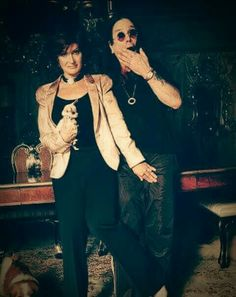 Ozzy Osbourne Family, Good Funny Movies, Ozzy And Sharon, Black Sabbath, Me Tv, Rock N Roll, Heavy Metal, Tv Series, Tv Shows