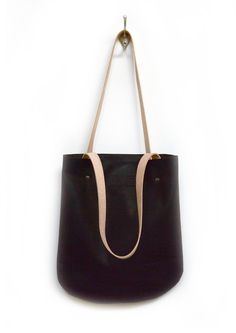 Black Leather Tote Bag, Smooth and Sturdy Leather Shoulderbag