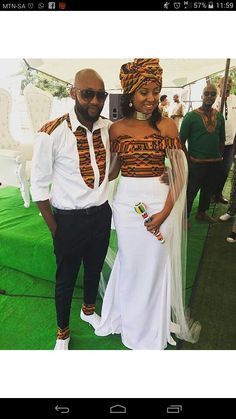 Couple outfit/dashiki prom dress/wedding gown/African fashion/African men's fashion/African women's fashion/Ankara dress/ tenue africaine Bal de tenue/dashiki couple robe de mariage robe de mode African Wedding Attire, African Attire, African Wear, African Women, African Dress, African Weddings, African Print Wedding Dress, Kenyan Wedding, African Style