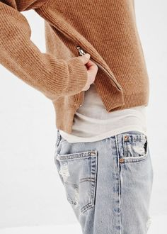 Eye for detail I comfy knitwear I camel ribbed sweater with zip I bleached boyfriend jeans Autumn Look, Autumn Winter Fashion, Fall 14, Winter Style, Looks Street Style, Looks Style, Style Me, Looks Instagram, Pull Court