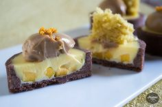 Passion fruit tart w/ chocolate + spices. Vegetarian Sweets, Fun Deserts, Fruit Tart, Chocolate Truffles, Homemade Chocolate, Dessert Table, Cupcake Cakes, Cupcakes, Sweet Recipes