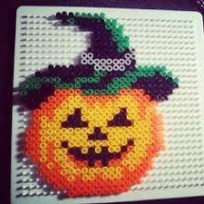 Halloween pumpkin hama beads by xedyglam Pearler Bead Patterns, Perler Patterns, Halloween Quilts, Halloween Crafts, Hama Beads Halloween, Hello Kitty Halloween, Perler Bead Templates, Peler Beads, Iron Beads