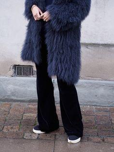 Furry autumn days: http://byfunda.luellemag.com/2015/11/17/furry-autumn-days/ #furry #fur #coat #dorotheeschumacher #velvet #pants #hm #sneakers #style #outfit #celine #céline #byfunda #fundachristophersen