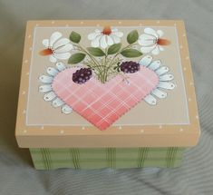 shara reiner pattern books | Lovely pattern by Shara Reiner painted by me on a papier mache' box