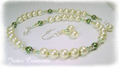 Light Yellow Pearl and Swarovski Crystal Beaded Necklace N344