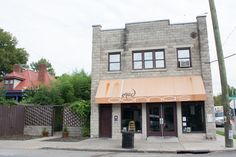 Mad Donna's is one of the best brunch places in #Nashville! http://nashvilleguru.com/2947/nashville-brunch-spots