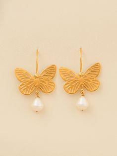 Hand made sterling silver gold plated butterfly earrings with fresh water pearls Turquoise Earrings, Silver Earrings, Silver Ring, Water Pearls, Butterfly Earrings, How To Make Earrings, Little Gifts, Statement Earrings, Fresh Water
