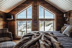 Rustic Home Design, Cabin Design, House Design, Mountain Home Interiors, Cottage Interiors, Mountain Bedroom, Mountain Dream Homes, Luxury Modern Homes, Farmhouse Master Bedroom