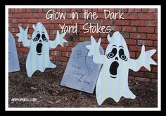 Totally surprised to find these fabulous garden stake glow in the dark ghosts @PartyCity How to Organize Halloween Decor | gomominc.com