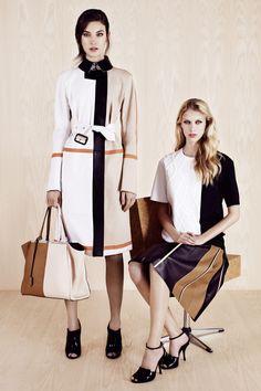 Fendi Resort 2014 Fashion Show - Jacquelyn Jablonski and Juliana Schurig Fendi, Spring Fashion, Fashion Show, Fashion Design, Fashion 2014, Fashion Weeks, High Fashion, Fashion Outfits, Viernes Casual