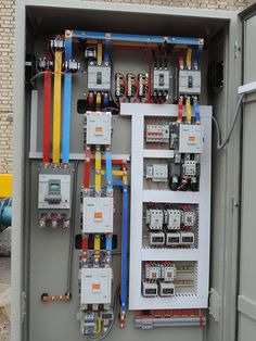 Electrical Cabinet, Home Electrical Wiring, Electrical Projects, Electrical Installation, Electronic Engineering, Electrical Engineering, Arduino, Distribution Board, Wearable Technology