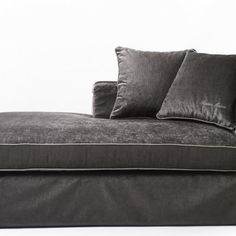 bryant-park-riviera-maison-designer sofa
