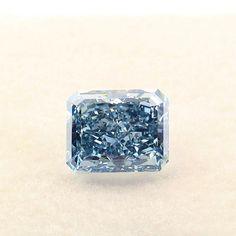 """ Gives Us Diamond Pro-Tips"" large loose blue diamond from Los Angeles's best private jeweler. Diamond Girl, Pearl Diamond, Diamond Stone, Diamond Bracelets, Diamond Jewelry, Diamond Quotes, Gem Hunt, Colored Diamonds, Big Diamonds"