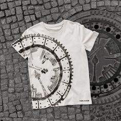 raubdruckerin   manhole cover prints on bags & shirts – Unique prints of surfaces and other elements of the urban landscape on streetwear. Printed directly on-site in the streets of cities like Berlin, Amsterdam, Lisbon and Paris.