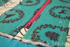 Pink Stitches: Striped Zipper Pouch Tutorial