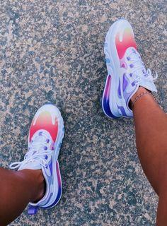 Cute Nike Shoes, Adidas Shoes Women, Cute Sneakers, Nike Air Shoes, Nike Tennis Shoes, Shoes Sneakers, Swag Shoes, Lit Shoes, Look Body