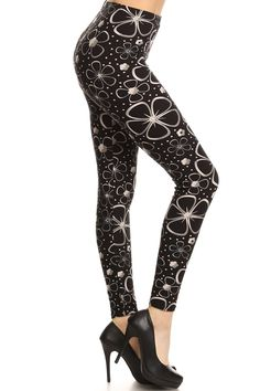 d6ea4fd0ccd Black and white flowered leggings Classy School Outfits, Black Leggings,  White Flowers, Fit