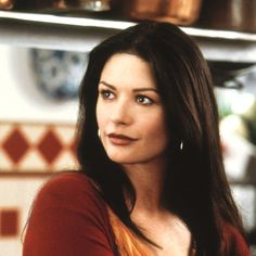 Retro Catherine Zeta-Jones = BABE                                                                                                                                                                                 Plus