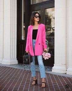 Rosa Blazer Outfits, Pink Outfits, Cute Casual Outfits, Stylish Outfits, Simple Outfits, Fashion Outfits, Look Rose, Hot Pink Blazers, Look Blazer