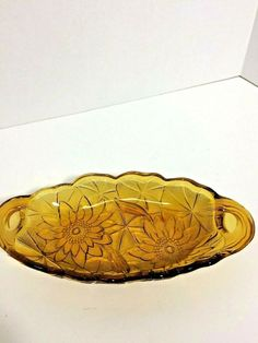 Pickle or Relish Dish 605 Amber Lily Pons Closed Handles Indiana Glass Penna USA Pickle Relish, Crystal Glassware, Pink Depression Glass, Indiana Glass, Glass Texture, Vintage Pottery, Pickles, Decorative Bowls, Amber