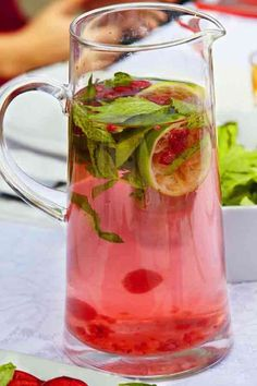 """Raspberry And Mint Scented Water - 15 Best Detox Recipes For Weight Loss """"What a refreshing and delicious drink for a hot summer lunch!"""""""