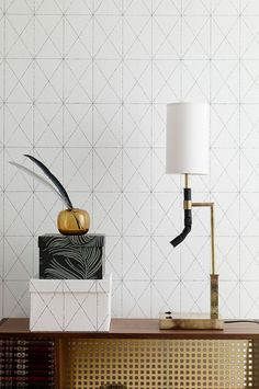 En non-woven tapet. Rullängd m, 53 cm bred. Made in Sweden I Wallpaper, Designer Wallpaper, Pattern Art, Pattern Design, Cole And Son, Art Deco Fashion, My Room, Modern, Ceiling Lights