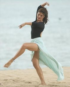 Bollywood actress Jacqueline Fernandez is all set to show her dancing skills in her upcoming project Roy. The actress has tried a completely different style of contemporary dance form, a ballet on sand for a song sequence Boond Boond. A T-series film, Roy is produced by Divya Khosla Kumar, Bhushan Kumar and Krishan Kumar directed by Vikramjit Singh releases on 13th February, 2015 #BollywoodActress #JacquelineFernandez #BollywoodPictures