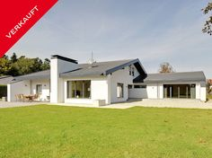 Große Villa mit exklusiver moderner Ausstattung