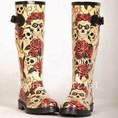 Online Shop New 2015 Rose Skull Women Rain Boots,Rubber Boots Rose Skeleton Head Sexy Cool Sapatos,Rainboots Botas Femininas Plus Size 40 Rain Shoes, Water Shoes, Wedge Boots, Shoe Boots, High Boots, Stilettos, Rain Boots Fashion, Skull Fashion, Punk Fashion