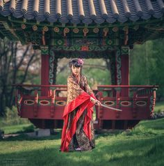 "Samurai - <a href=""https://www.facebook.com/tatyana.nevmerzhytska"">My Facebook page</a> <a href=""http://vk.com/foto81"">VKontakte page</a>"