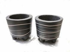 Small diy concrete pots Concrete Pots, Small Plants, Planter Pots
