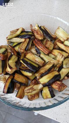 Patlıcan Musakka (Orijinal Tarif) – Leziz Yemeklerim – Sebze yemekleri – The Most Practical and Easy Recipes Musaka, Turkish Kitchen, Eggplant, Iftar, Salsa, Food, Kitchens, Easy Meals, Essen